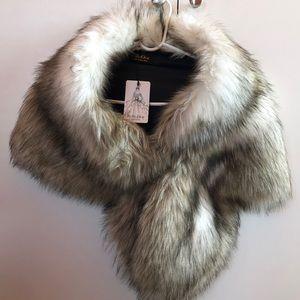 Accessories - Faux Fur Shawl